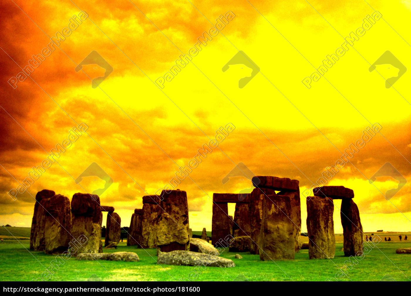 stonehenge - 181600