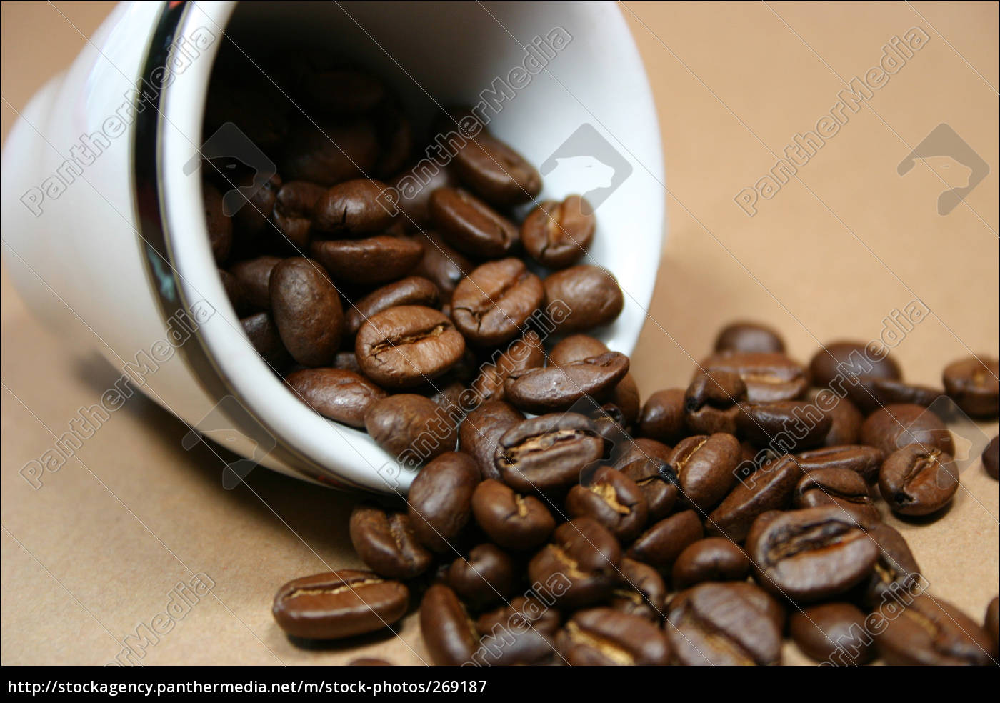 cup, of, coffee, with, whole, beans - 269187