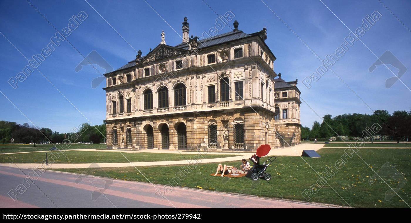 palais, in, the, large, garden - 279942
