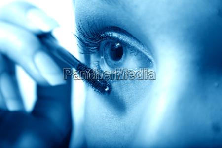 eyelashes momentum iii