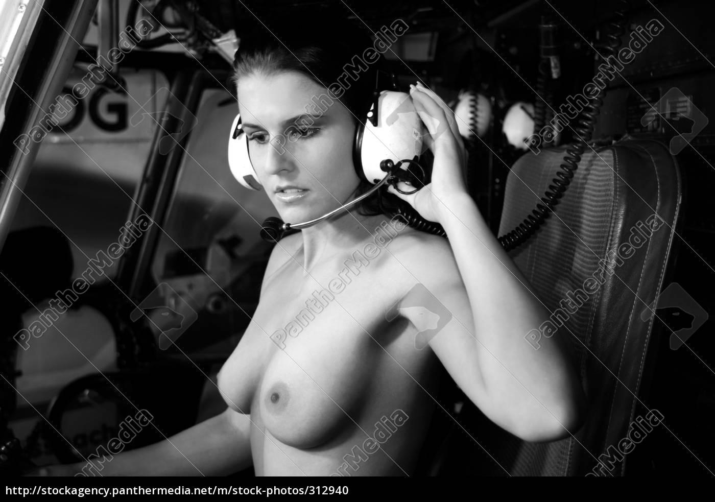 akt, on, air - 312940