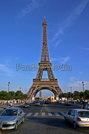 eiffel tower v