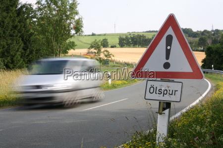 attention, ölspur - 367145