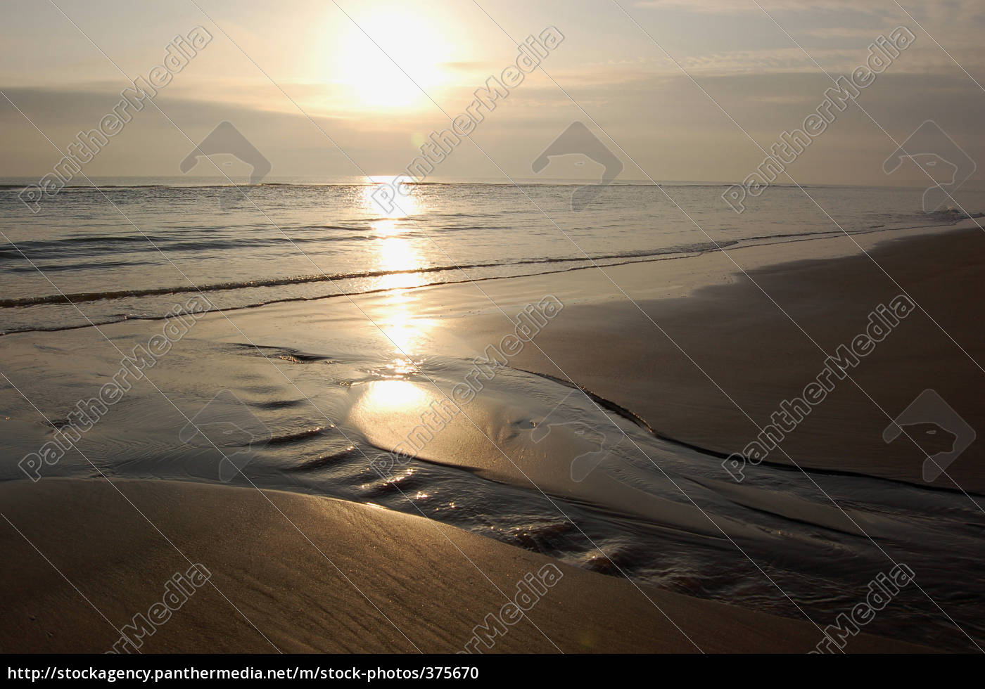 a, peaceful, morning, at, omaha, beach - 375670