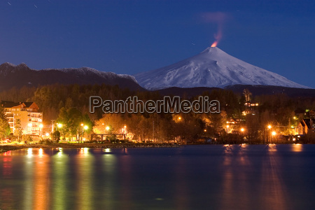 pucon at night