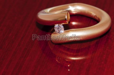 brilliant tension ring