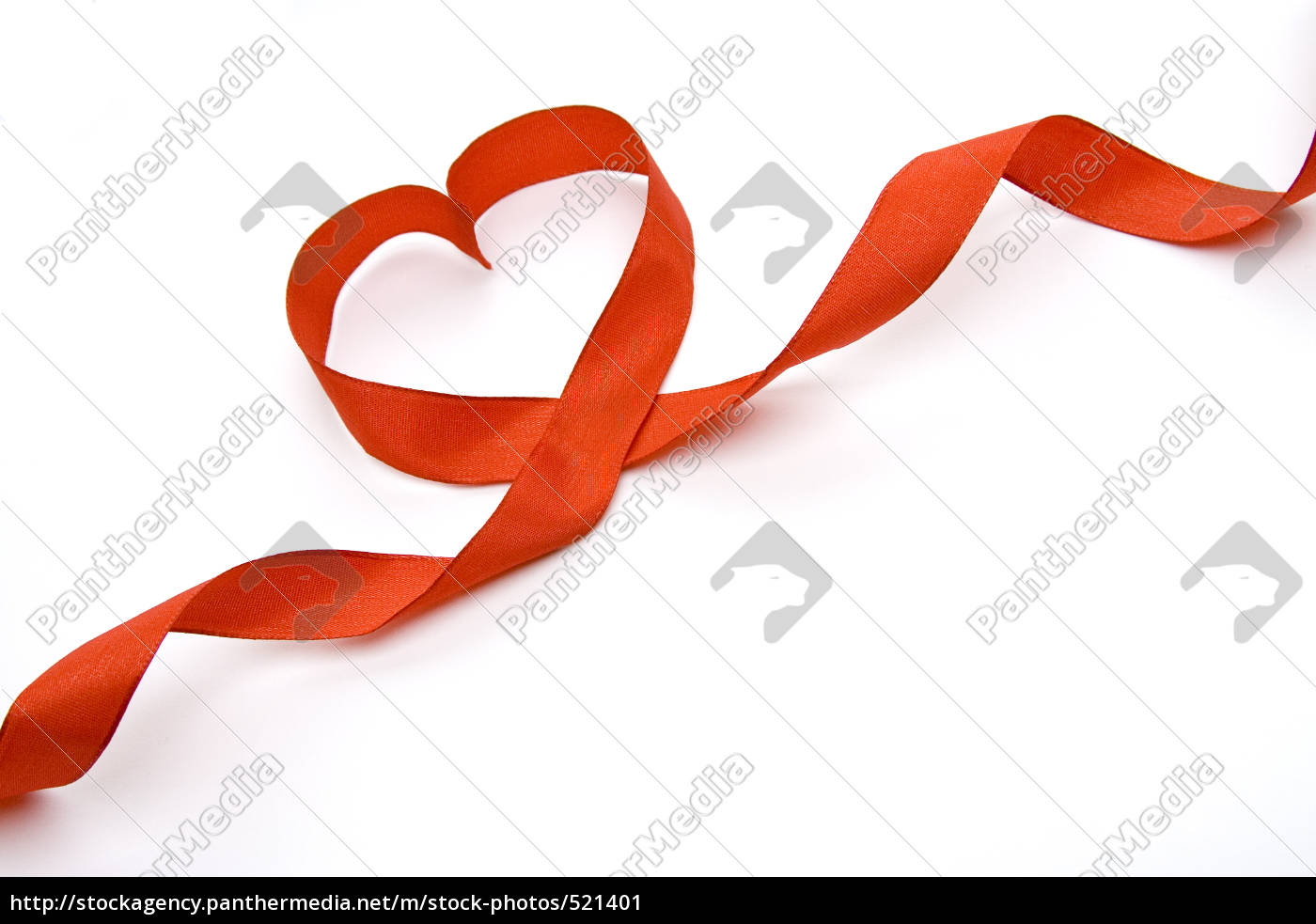 the, heart, of, red, ribbon - 521401