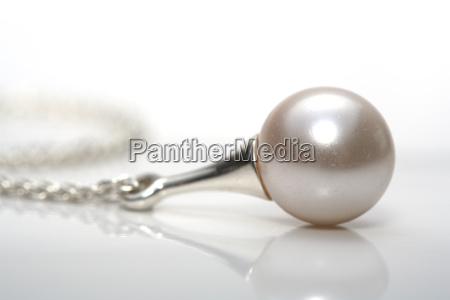 pearl - 523992