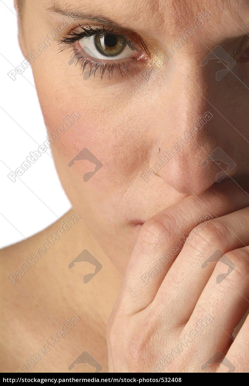 woman, is, shy - 532408