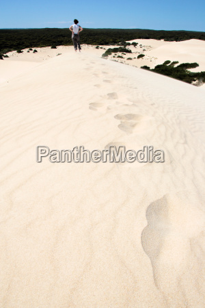 footprints, in, the, sand - 568278