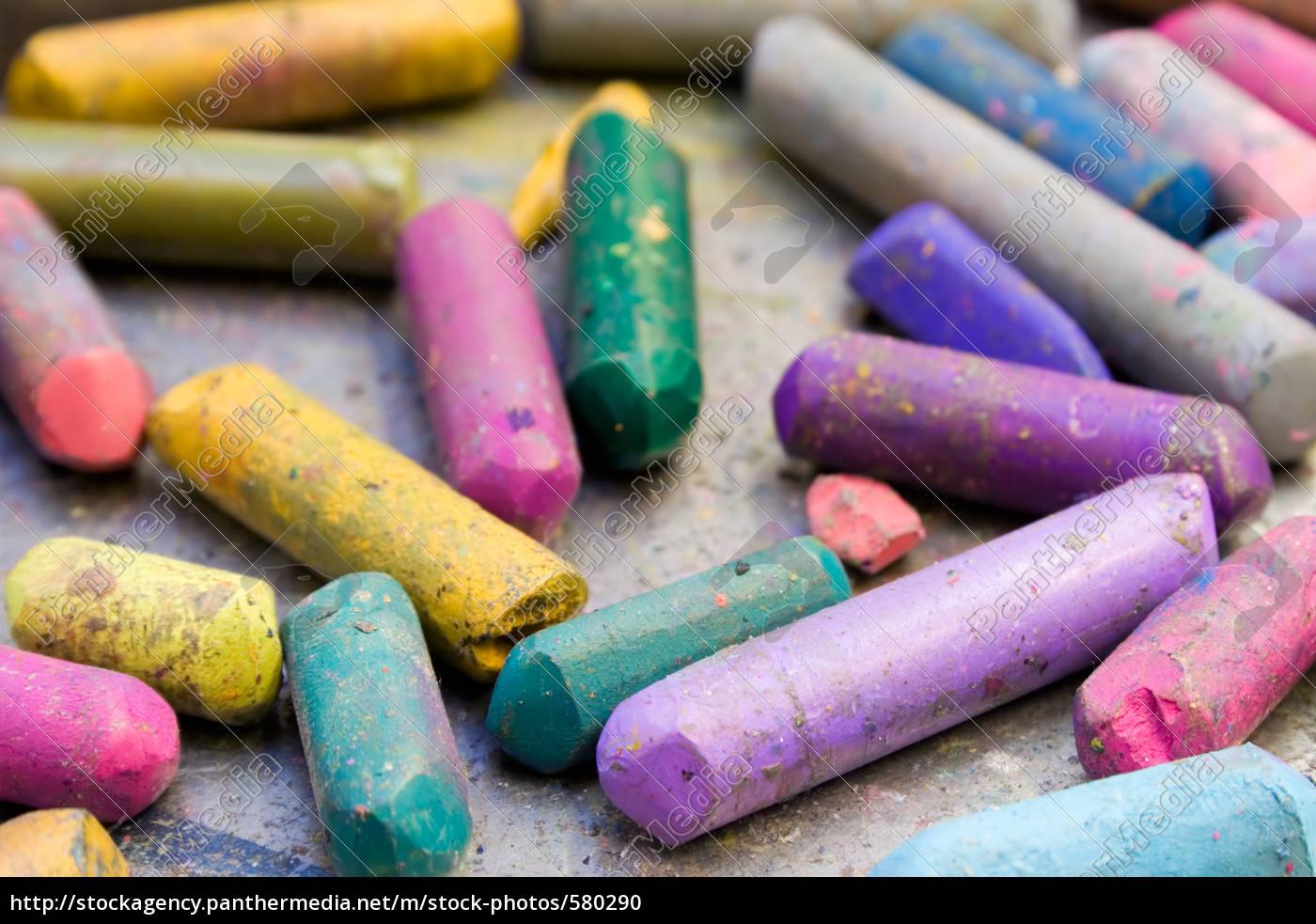 worn, wax, crayons - 580290