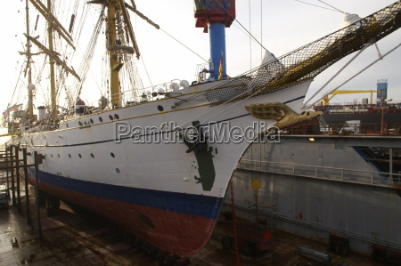 gorch fock in dock i