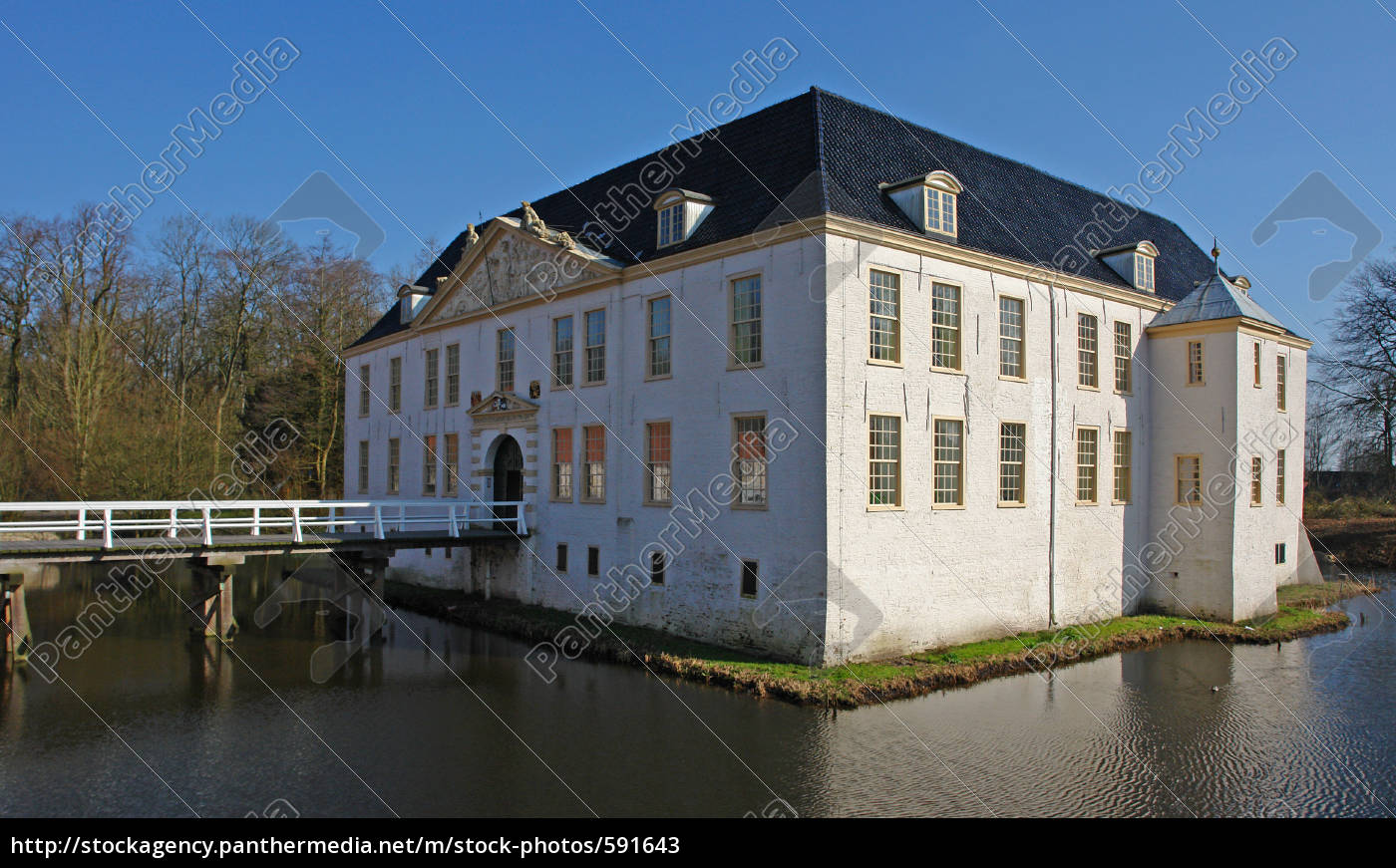 moated, castle, norder - 591643