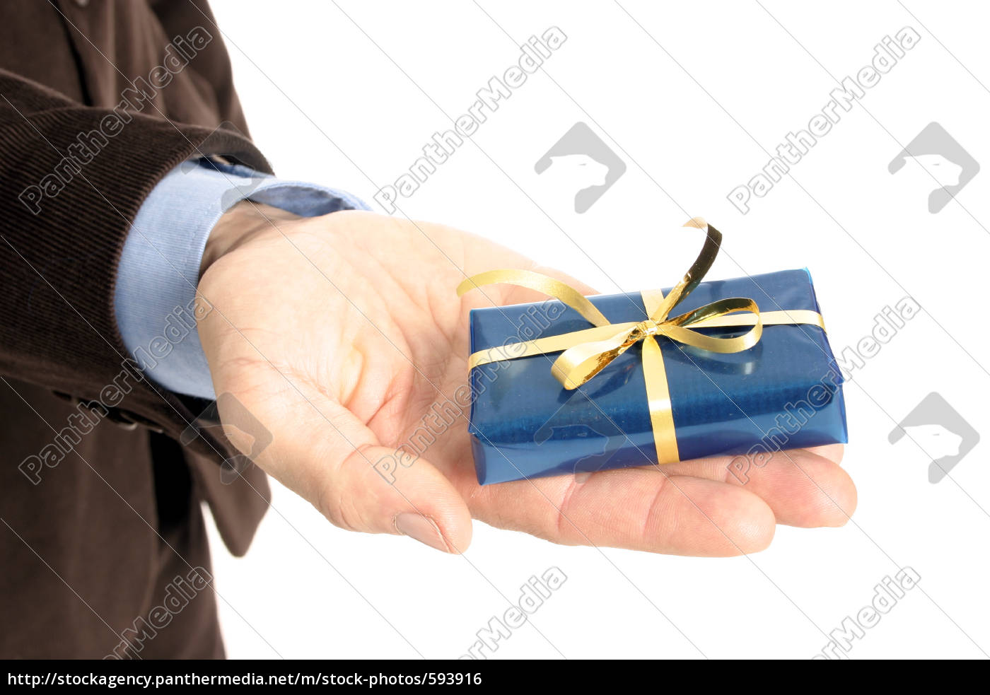 man, holds, gift, in, hand - 593916