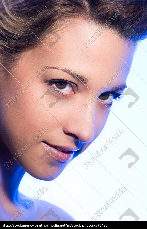 cool, blue, portrait, of, a, woman - 596425