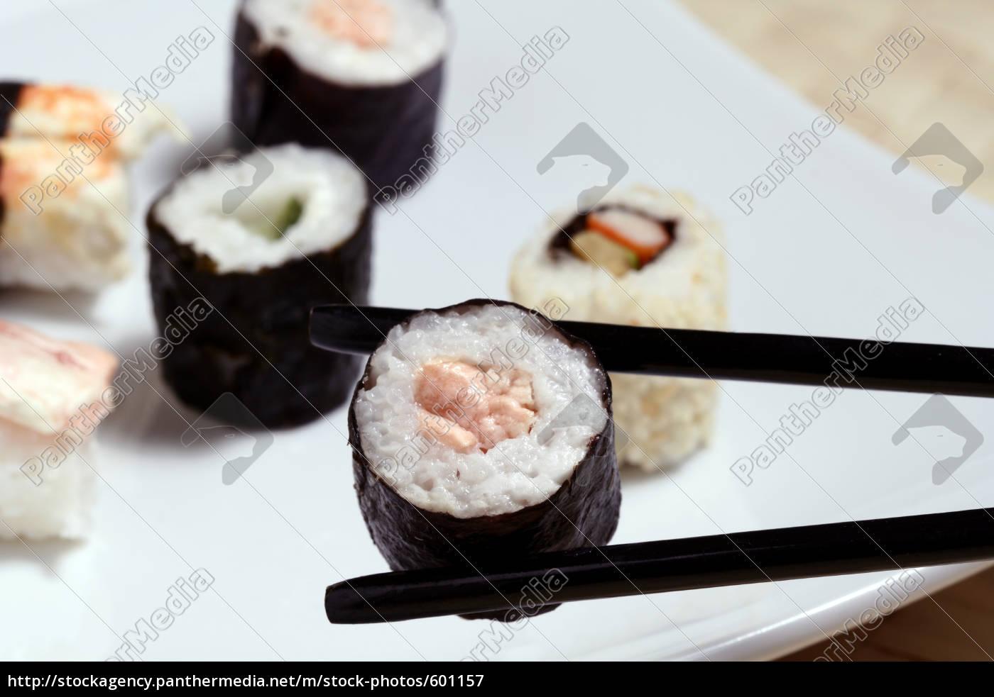 maki, with, salmon - 601157