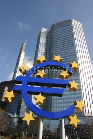 euro, sign, in, front, of, the - 658411
