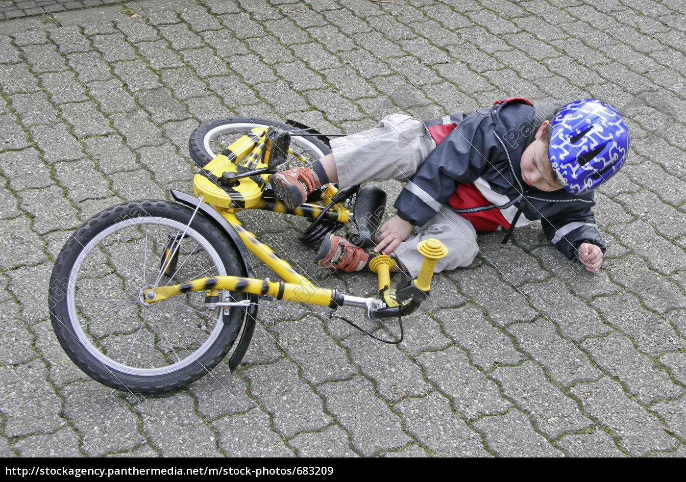 bicycle, accident - 683209