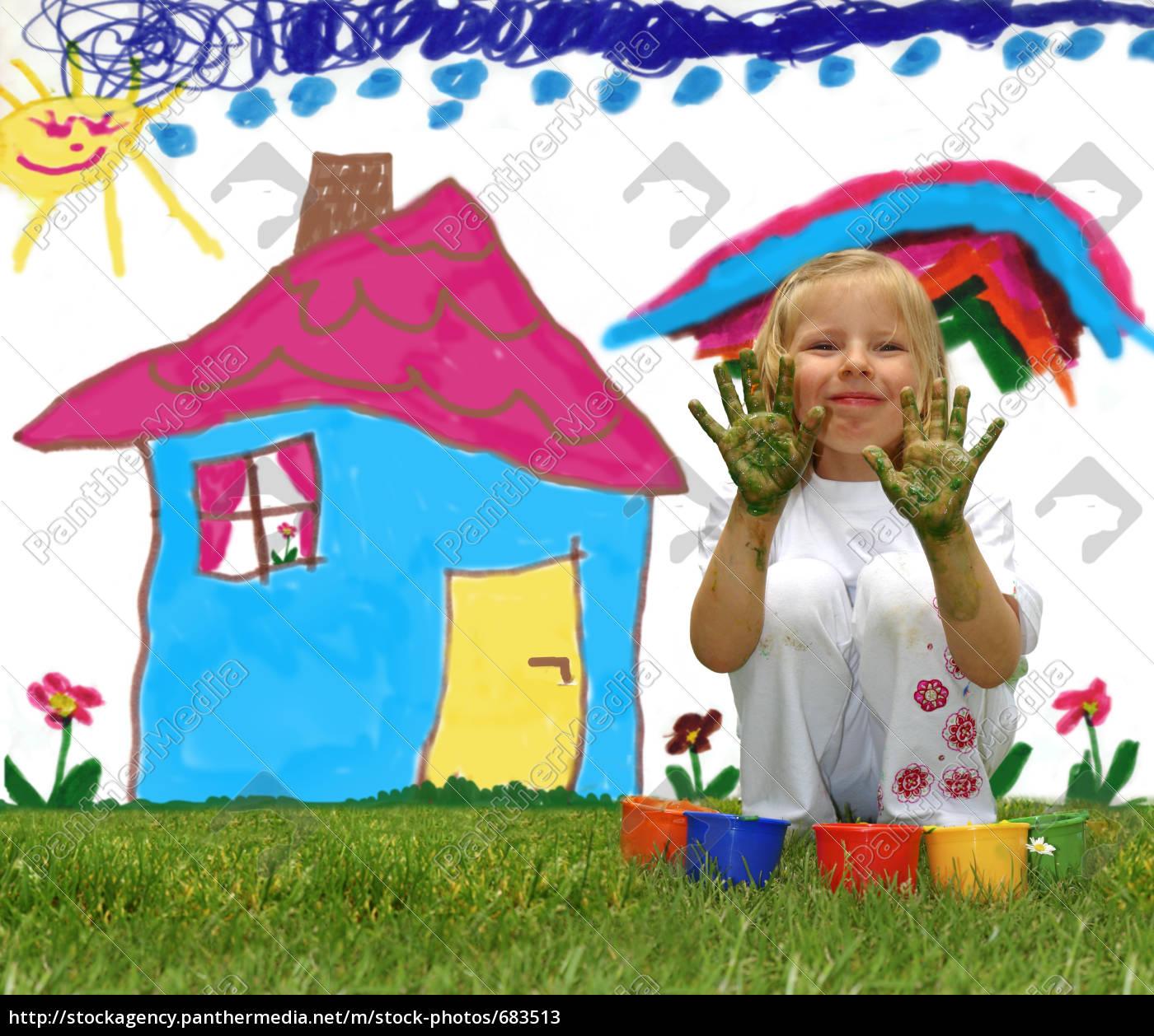 little, girl, paints, a, house - 683513
