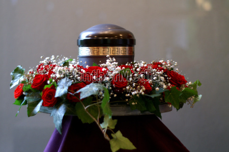 urn, with, wreath - 695961