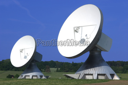 huge, satellite, dishes - 708247