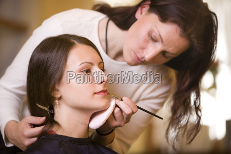 woman, making, makeup, with, make-up, artist - 718778