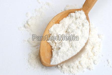 wheat, flour, on, wooden, spoon - 723700