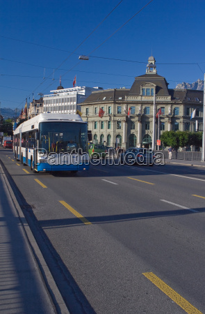 trolleybus, before, the, main, post, office, luzern - 726924