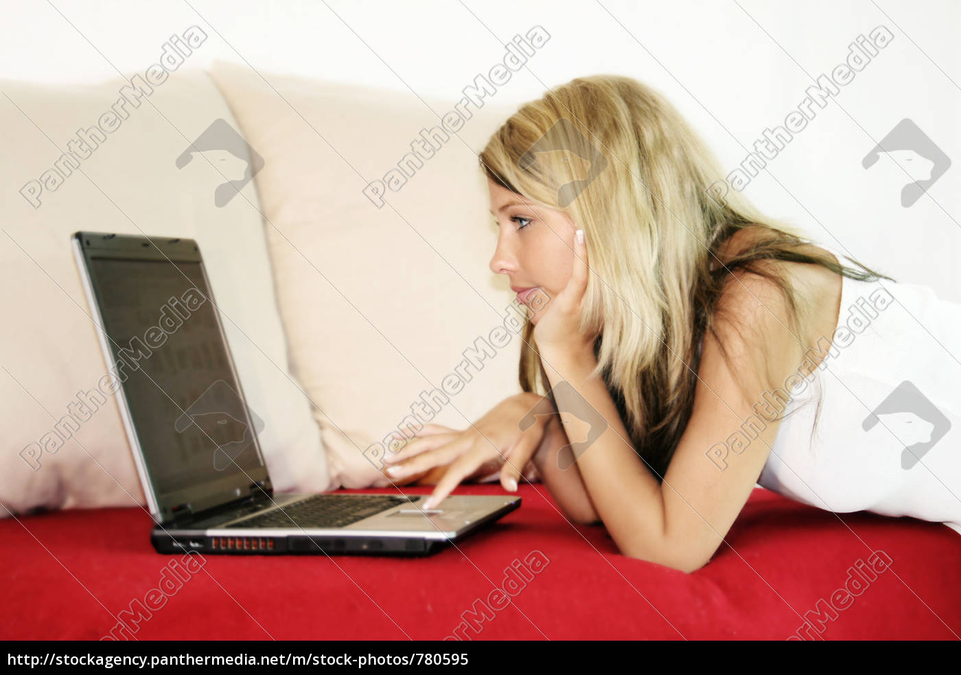 young, woman, with, laptop - 780595