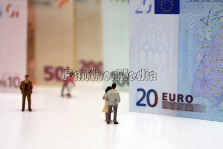 persons from euro banknotes
