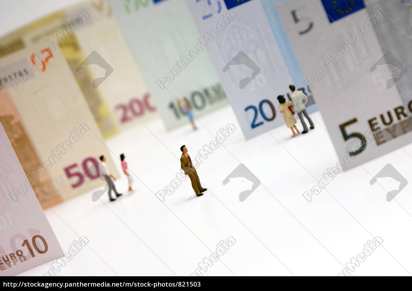 persons, from, euro, banknotes - 821503