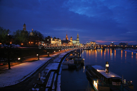 winter, evening, in, dresden - 954715