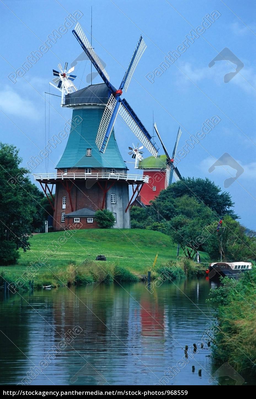 windmills - 968559