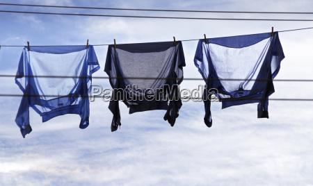 camisas en el viento