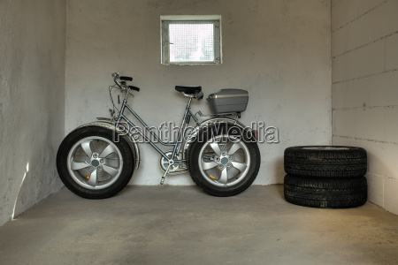 wide, tires - 1133577