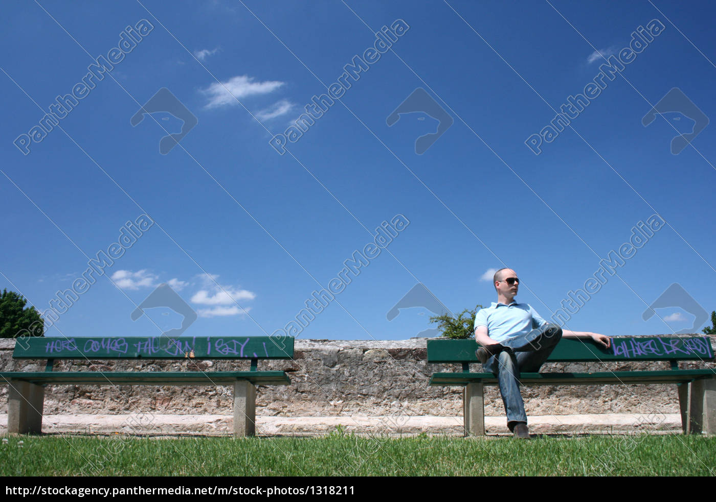 man, sitting, on, park, bench - 1318211