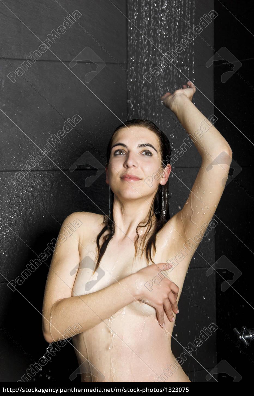 woman, in, shower - 1323075