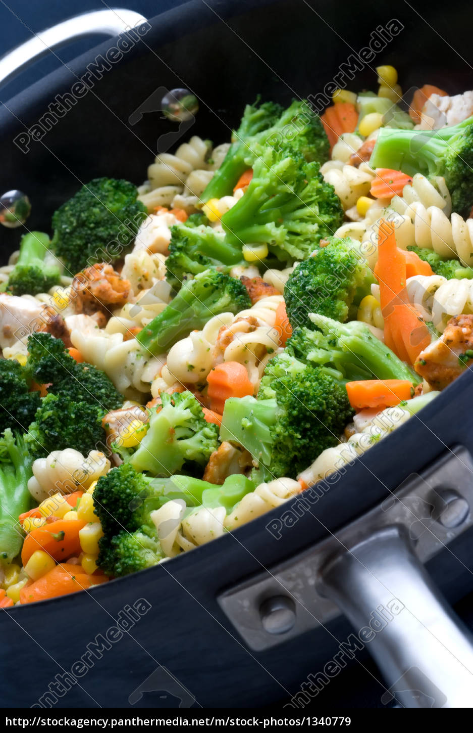 cooking, vegetables, in, a, pan - 1340779