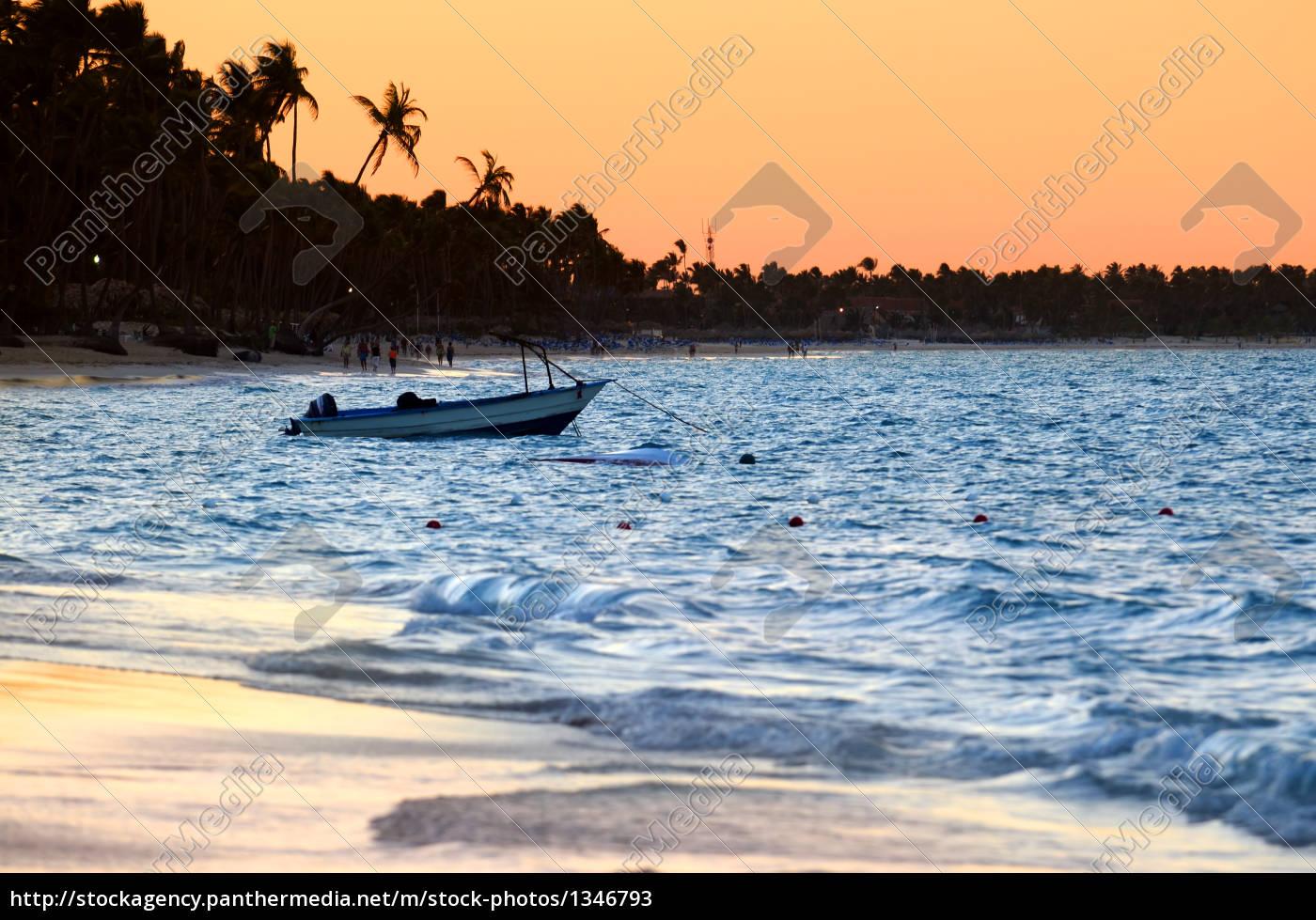 tropical, beach, at, sunset - 1346793