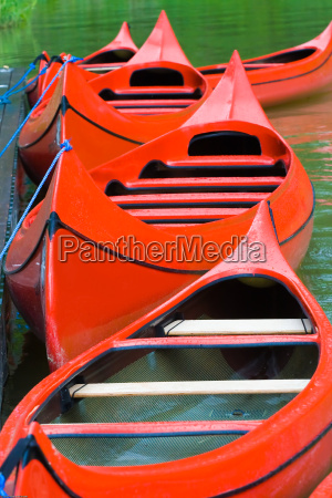 red, canoes - 1363101