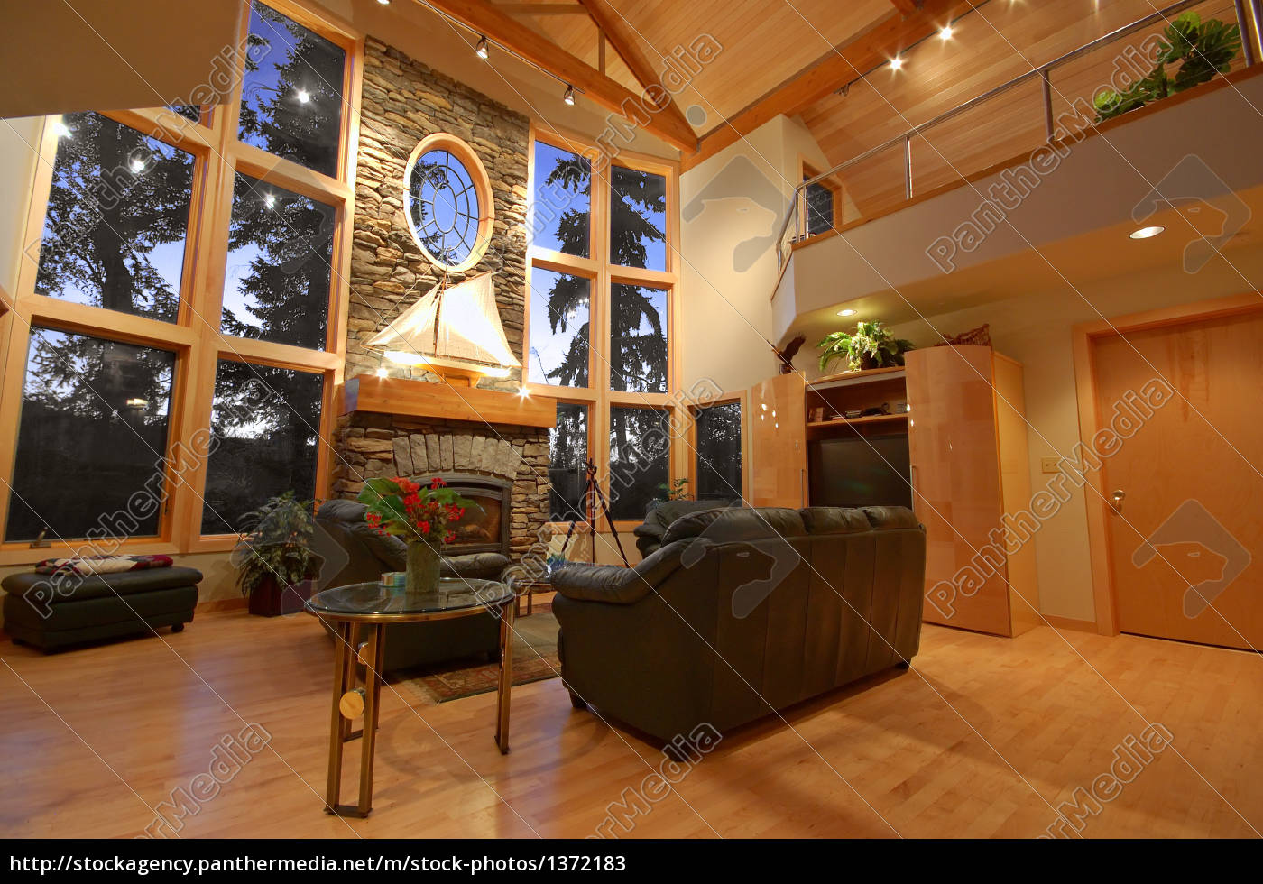 interior, of, an, upscale, house - 1372183