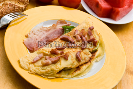 omelet, with, thin, bacon, bacon, croissant - 1372895