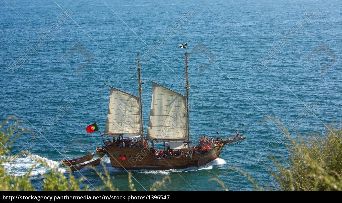 tourist, ship, at, algarve, sea. - 1396547
