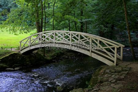 bridge transition arched bridge cross change
