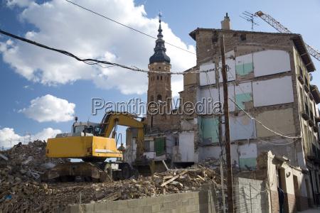 demolish bulding