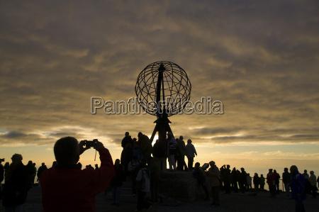 nordkapp sculpture plateau evening sun