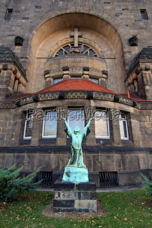 belief church monument art cross style
