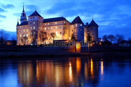 hartenfels castle at night