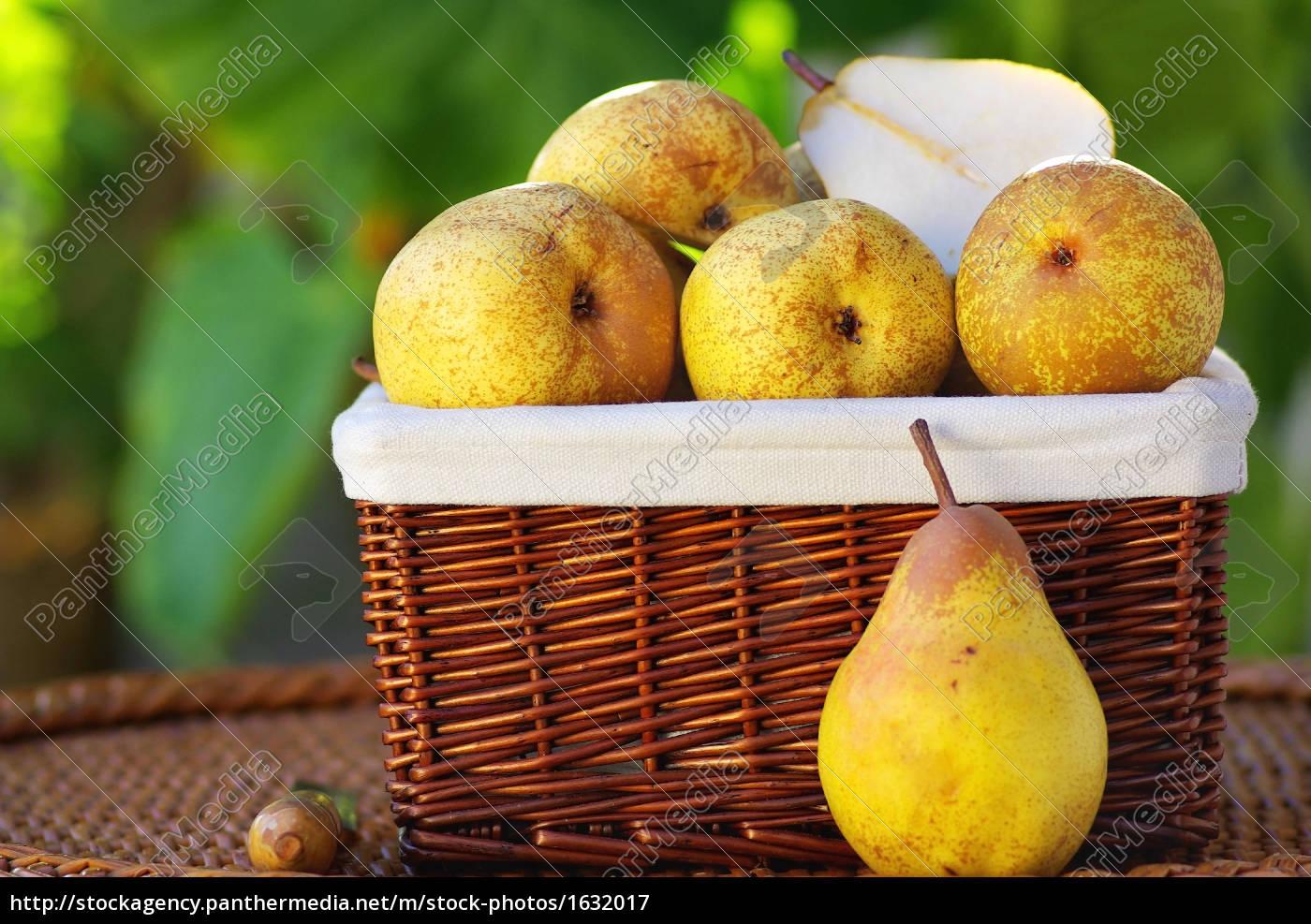 basket, of, fresh, pears. - 1632017