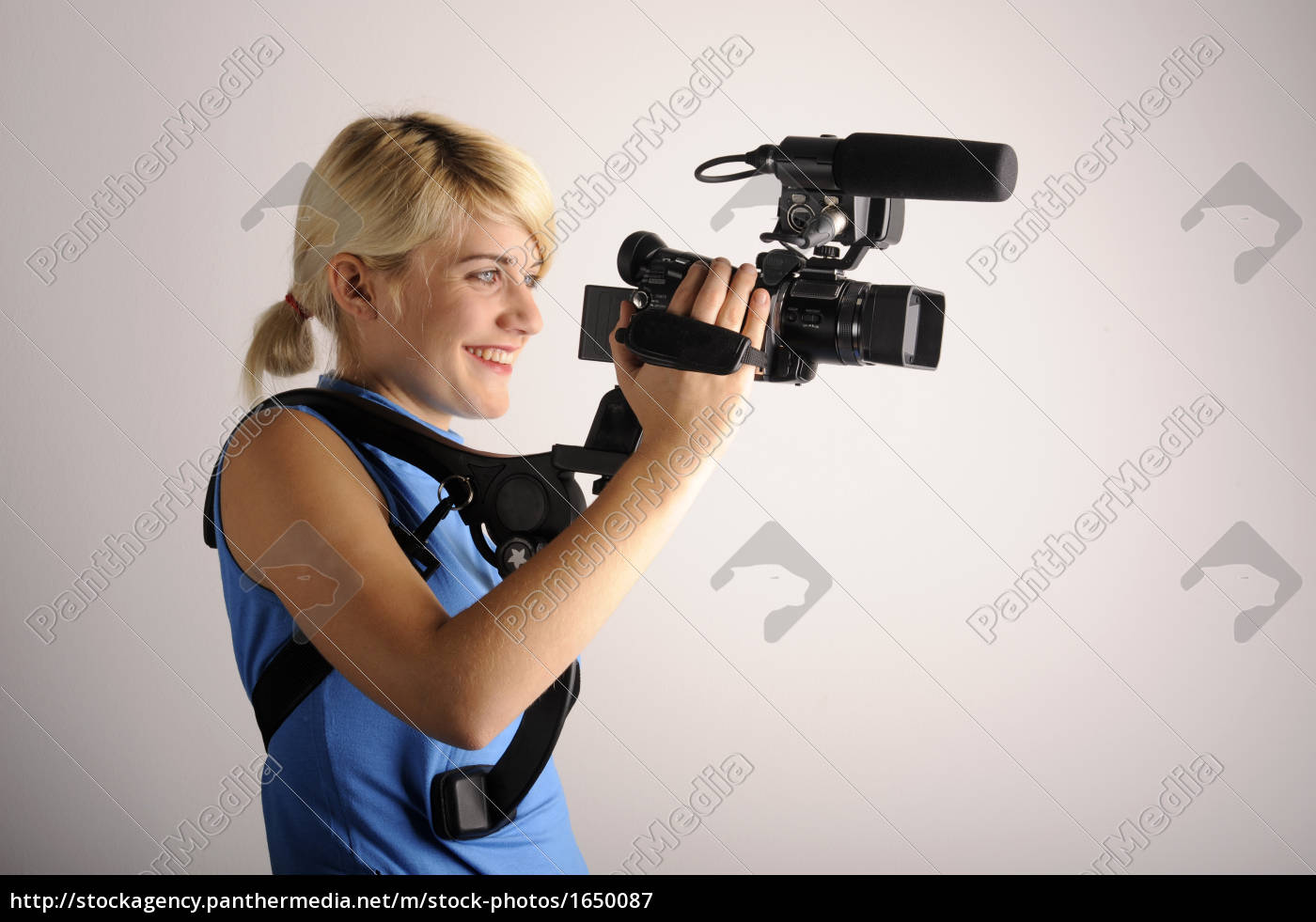 young, woman, video, camera - 1650087